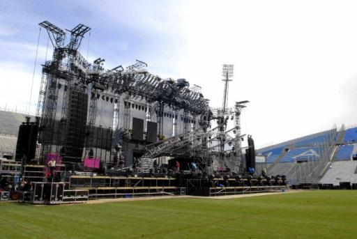 madonna-stage-collapse