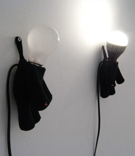 hangman-lamp-wall