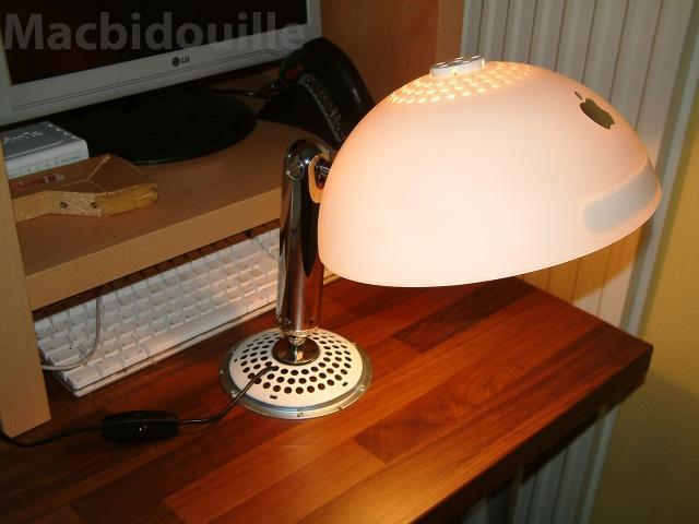 apple-mac-G4-light
