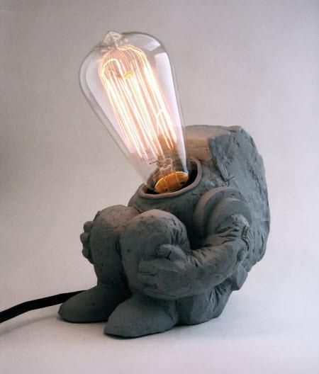 cosmonaut-lamp-2