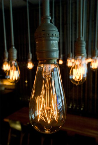 Green VS. Red Hot – The Question of Antique Filament Lamps
