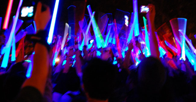 Big LED Lightsaber Battle at Toronto's Royal Ontario Museum