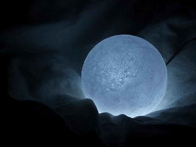 Nosigner's Moon Light
