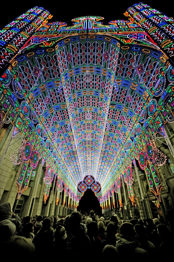 55,000 LEDs Make A Cathedral