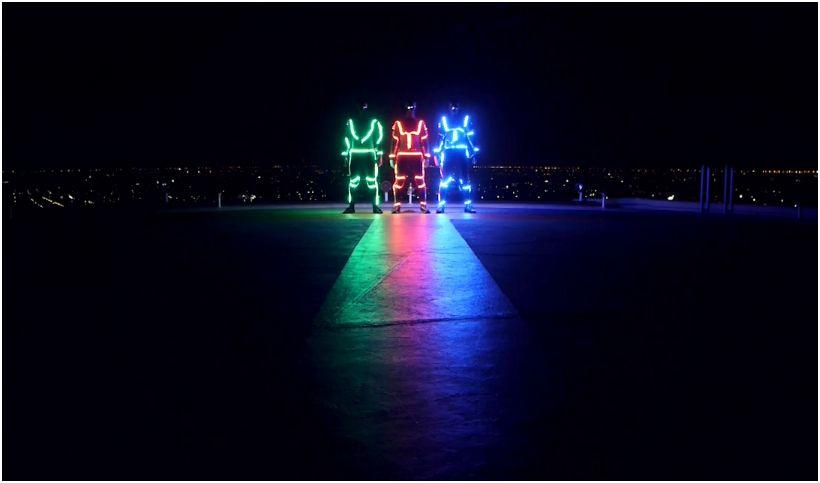 LED Freerunning: Light Emitting Dudes