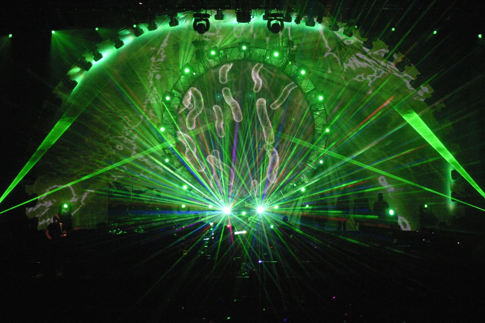 """Friday Afternoon Awesome – Pink Floyd Doing """"Great Gig in the Sky"""" at Earl's Court"""