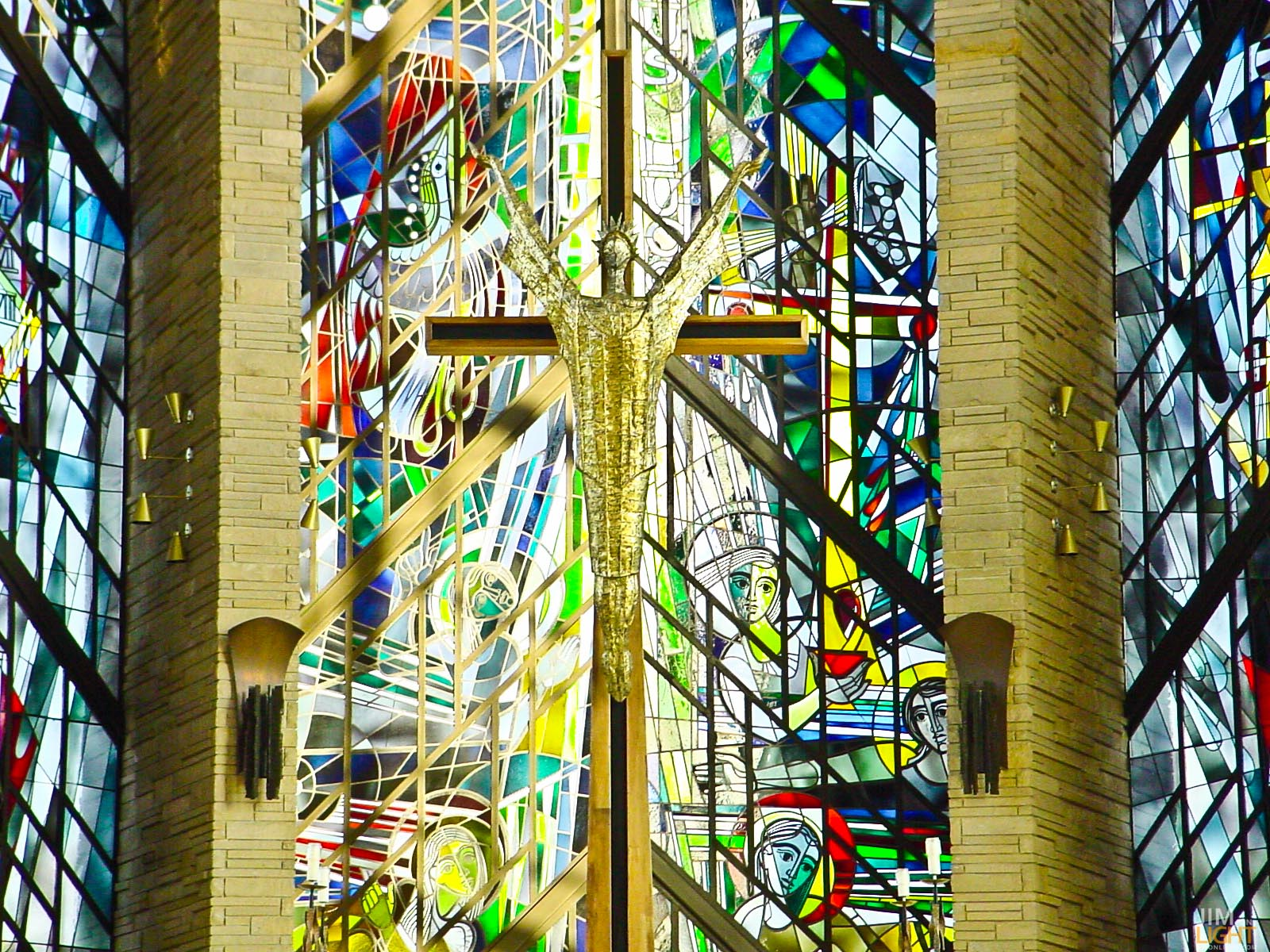 Dieterich Spahn Talks about Being A Stained Glass Master