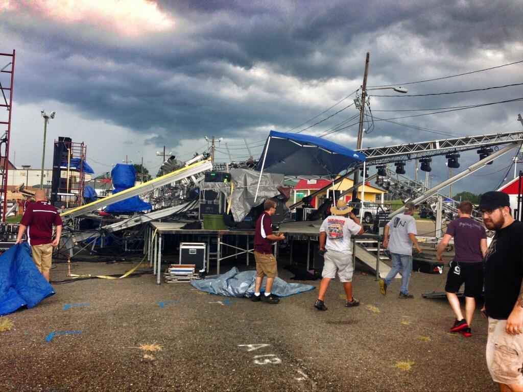 Another Structure Falls – Stage Roof Made from Genie Towers Collapses in North Carolina