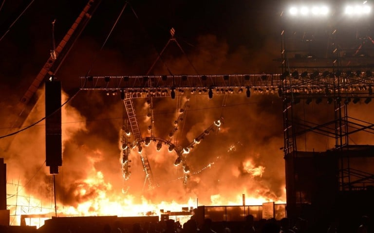 VIDEO: Massive Stage Fire at Mumbai Political Rally